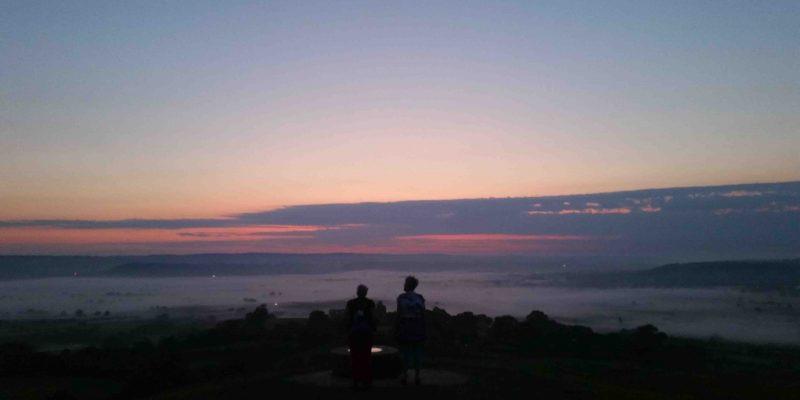 Lichtgidsen Glastonbury Tor zonsopkomst